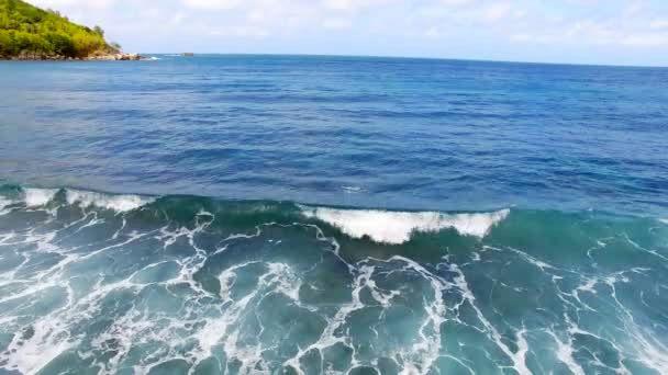 ¿Cuál es la densidad del océano Indico?